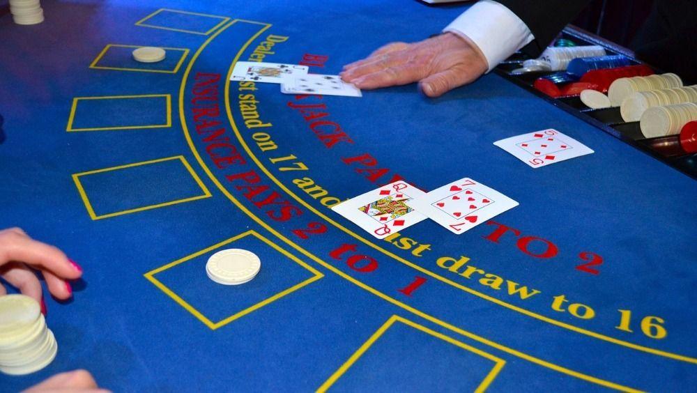 How to Play Live Dealer Blackjack