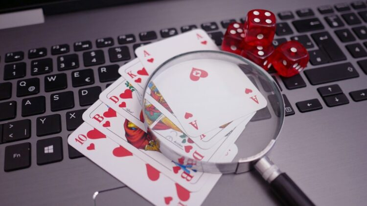 Online Blackjack Vs Slots – The Choice Is Obvious if You Know What You Want From Online Gambling