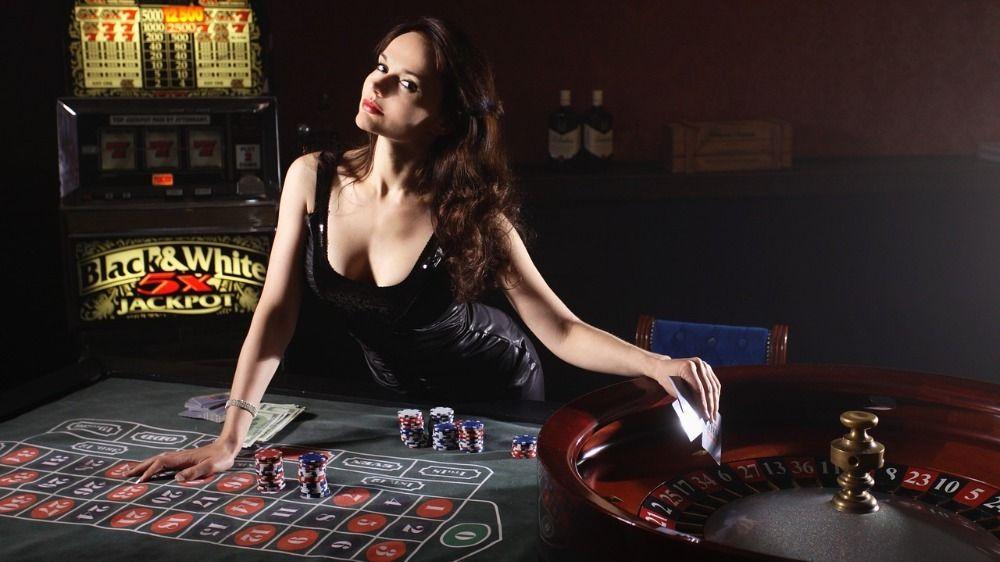 Online blackjack vs slots
