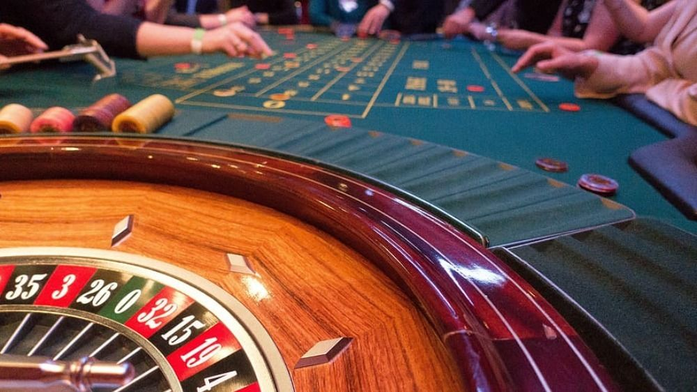 Tough Blackjack decisions